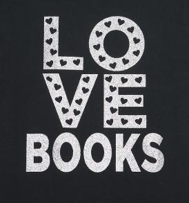 love-books-tshirt-closeup